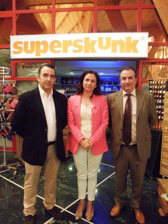 Firma-Superskunk-1